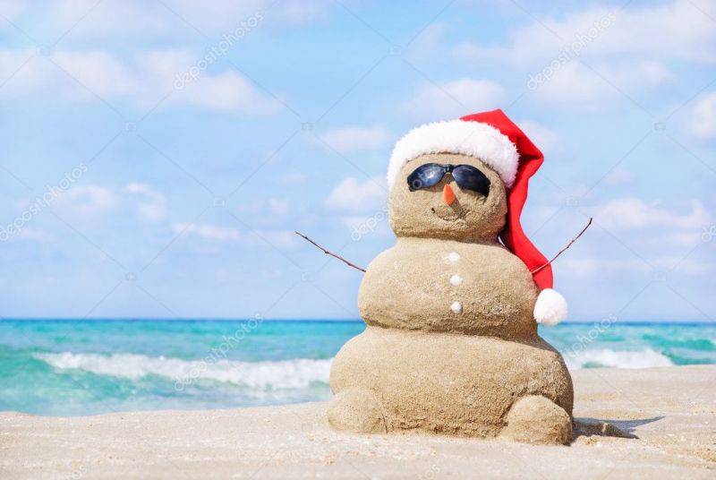 depositphotos_22462511-stock-photo-smiling-sandy-snowman-in-red.jpg